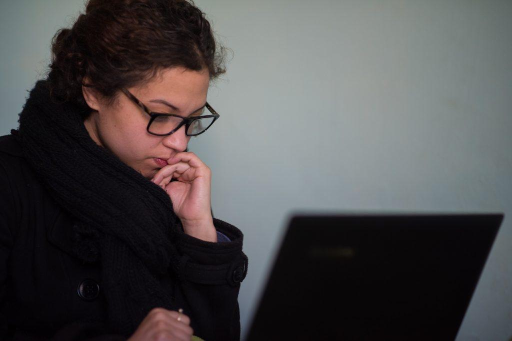 job seeker wondering how long to hear back after an interview